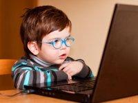 """Bilgi Üniversitesi """"Çocuklara Dijital Öğütlerimiz"""" kitapçığı yayınlandı"""