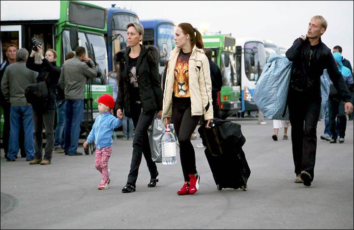 Hundreds of Ukrainian war refugees welcomed in Irkutsk to start new life