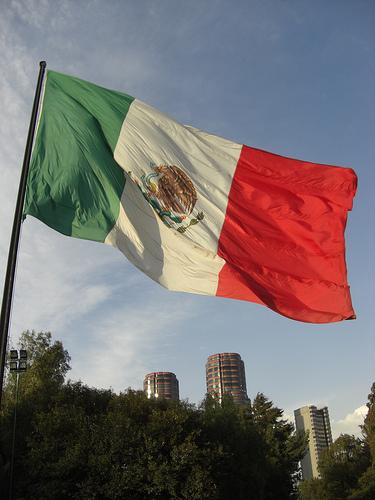 3085614024_82dc312d07_mexiko-flagge