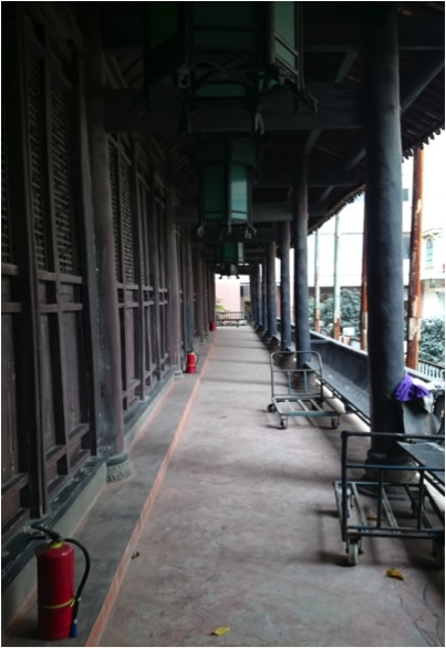The Colonnaded Corridor of Gulou Mosque