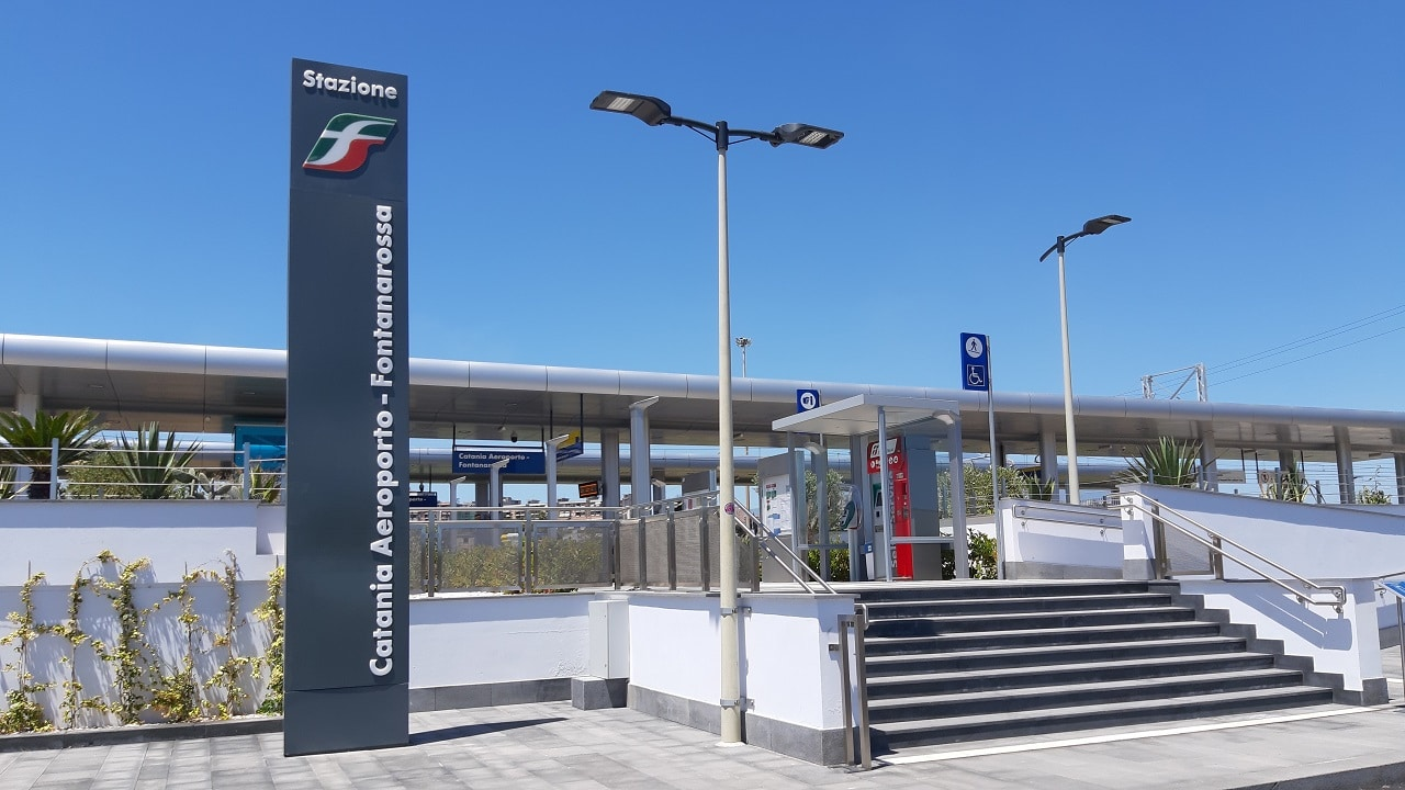 カターニア空港駅【徹底解説】カターニア空港から電車で移動するには?
