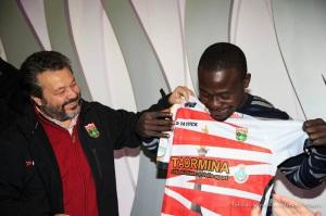 Il presidente dell'Amatori Rugby Messina Nello Arena e Salaymana Ahmid