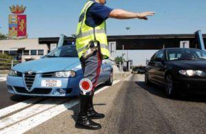 Polizia controlli strada