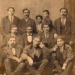 La famiglia Raffa in una foto della seconda metà dell'Ottocento. Angelo Raffa è il primo in basso sulla destra.