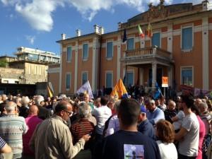 Una delle tante proteste per salvare l'ospedale Piemonte