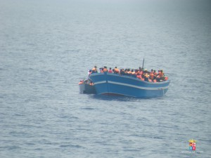 SAR - Nave Driade - 6 giu 2015 migranti (4)