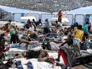 Migranti_nave_tedesca_Werra