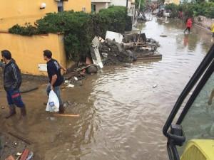 Alluvione Barcellona, volontari 11-10-2015 l