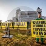 #Greenpeace. No alle trivelle: protesta davanti all'Altare della Patria