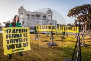 Attivisti Greenpeace 24-2-2016 m