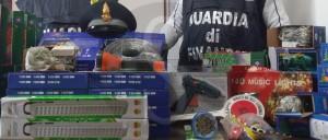 Guardia di Finanza, articoli sequestrati 24-2-2016