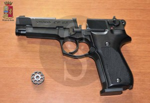 pistola, rapina, polizia