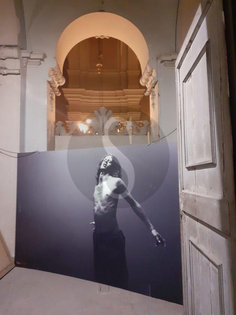 """Parma post lockdown, si riparte con la mostra """"The Passion"""" del fotografo siciliano Toni Campo"""