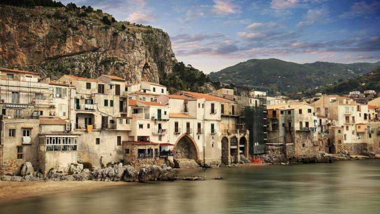 Our first stop today is in Cefalù, an old greek settlement built to celebrate the victory of the syracusans over Carthage.