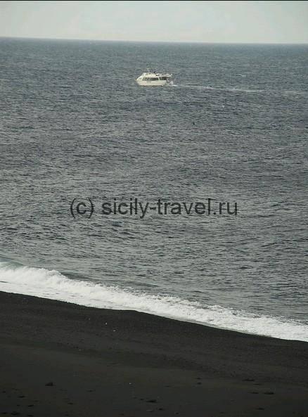 Черные пляжи Сицилии фото