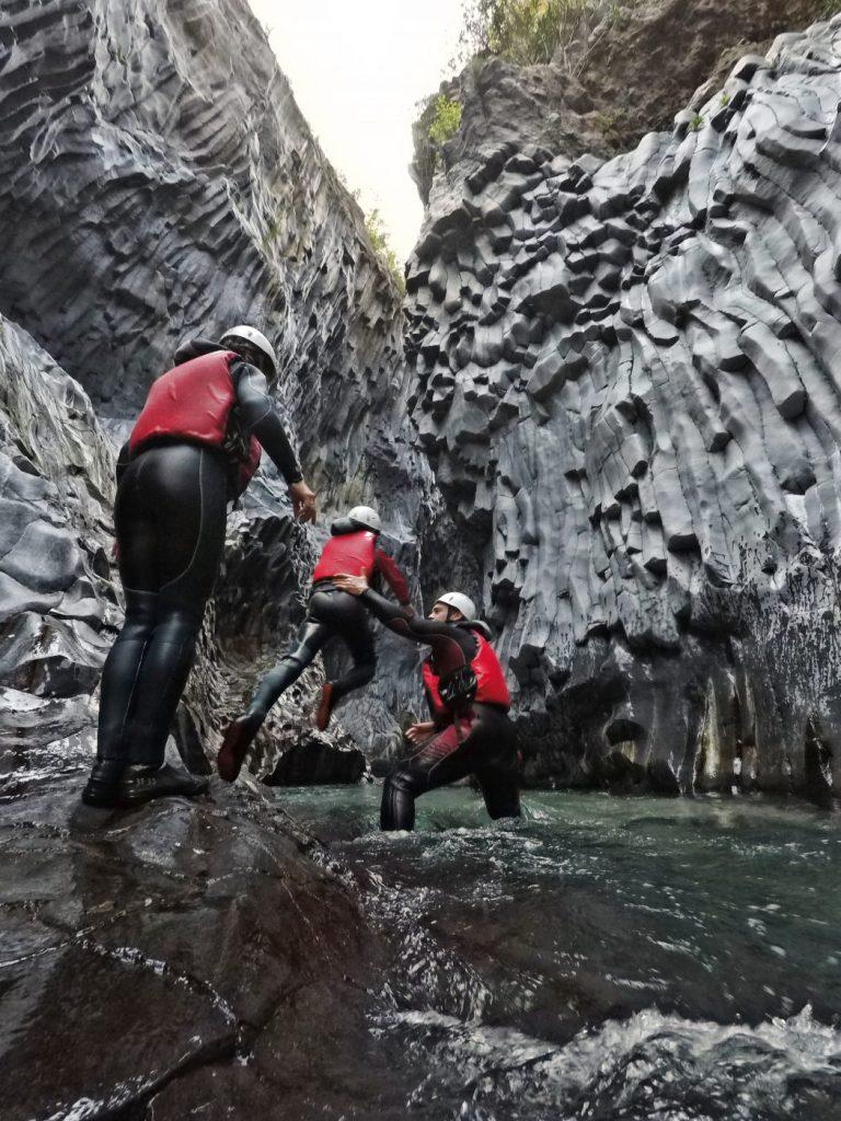 body rafting alle gole alcantara con le guide della sicily green adventures