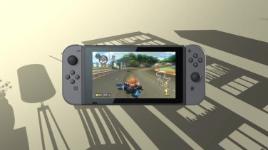 playing_mario_kart_8_deluxe_on_nintendo_switch_2