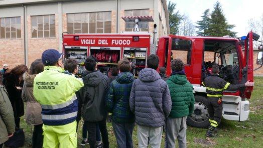 Prove di evacuazione in una scuola Secondaria
