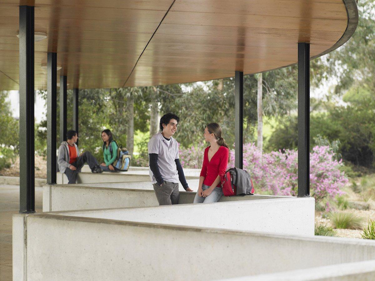 Scuola sicura e aperta secondo l'Architetto Renzo PIano