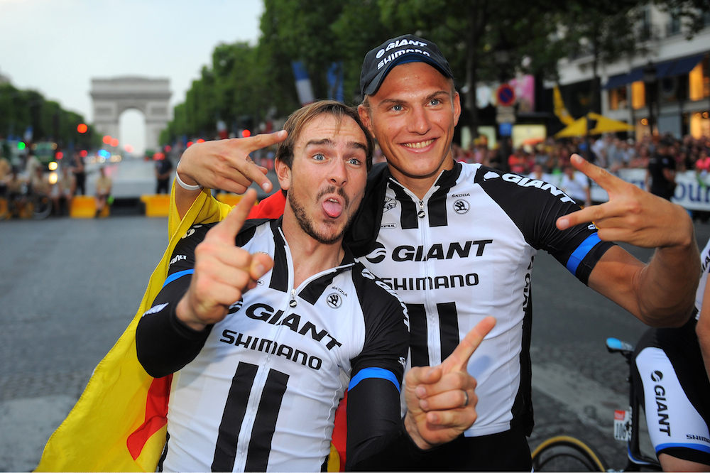 https://i0.wp.com/sidces.com/fotos/data/media/233/8_John_Degenkolb_and_Marcel_Kittel_were_happy_to_finish_the_Tour_and_even_happier_to_claim_victory_in_a_chaotic_sprint_finish_on_the_final_stage..jpg