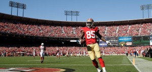 Vernon Davis Signs with Redskins