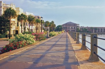 Take a stroll along The Battery seawall and promenade overlooking rivers and lined by stately historic houses.