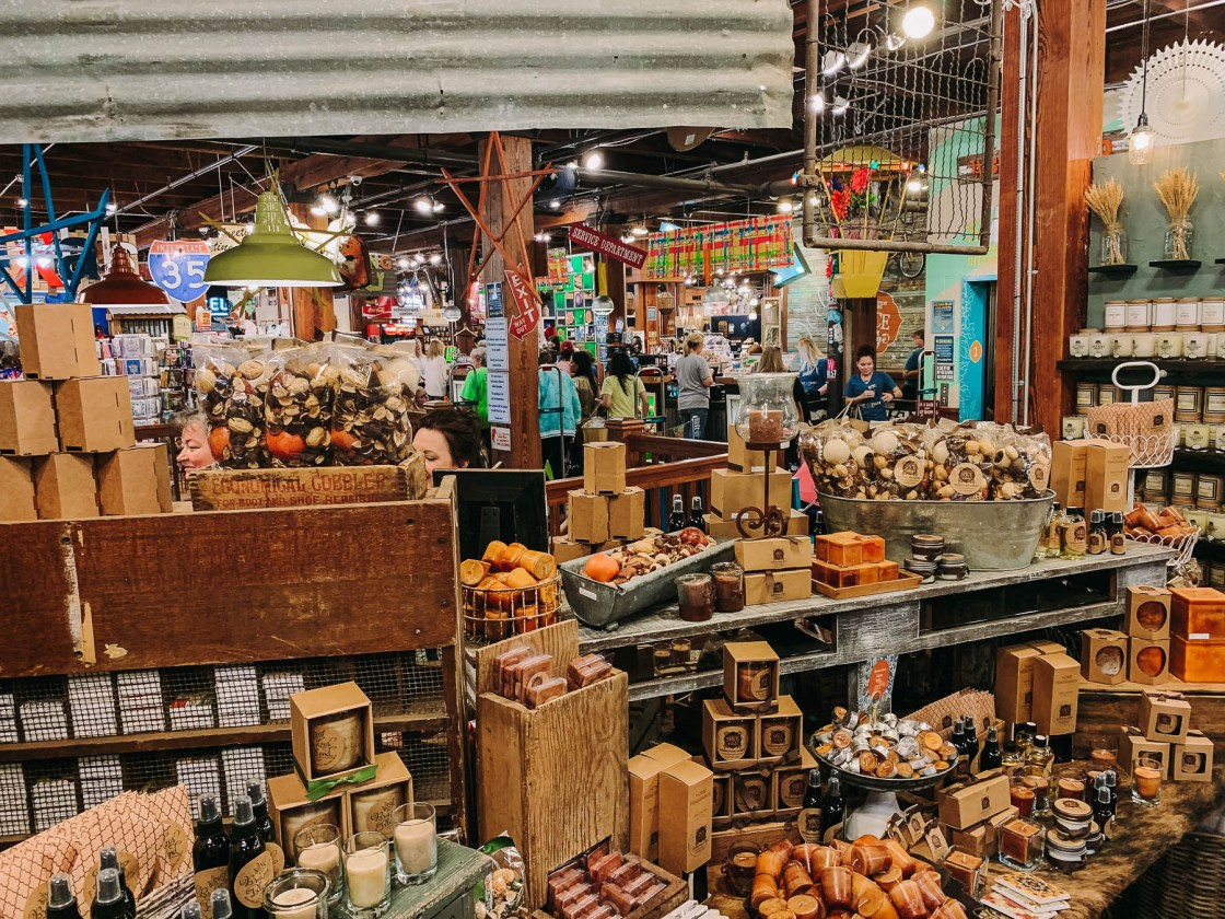 Magnolia Market, Girl's Trip, Day Trip, Texas Road Trip, Chip And Joanna Gaines, Day Trip to Magnolia Market, Waco, Texas