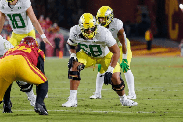 Oregon Ducks offensive lineman Penei Sewell (58) during a college football game between the Oregon Ducks and the USC Trojans on November 02, 2019, at the Los Angeles Memorial Coliseum in Los Angeles, CA