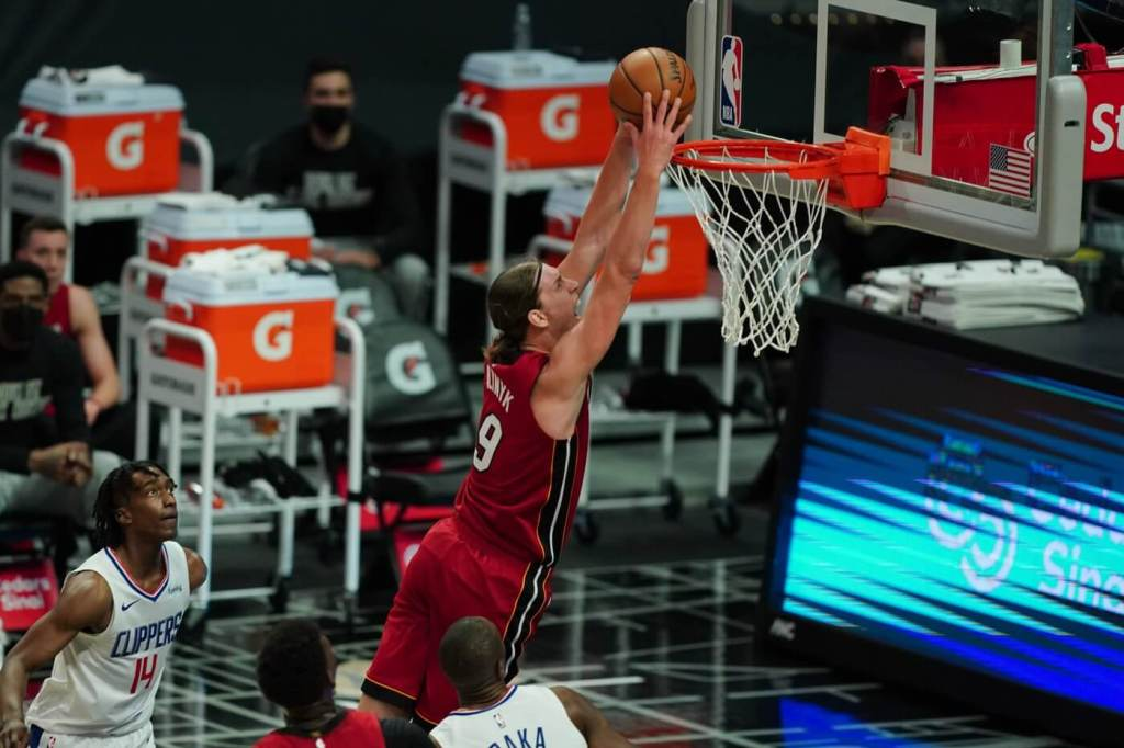 Feb 15, 2021; Los Angeles, California, USA; Miami Heat forward Kelly Olynyk (9) dunks the ball against the LA Clippers in the first half at Staples Center. Mandatory Credit: Kirby Lee-USA TODAY Sports