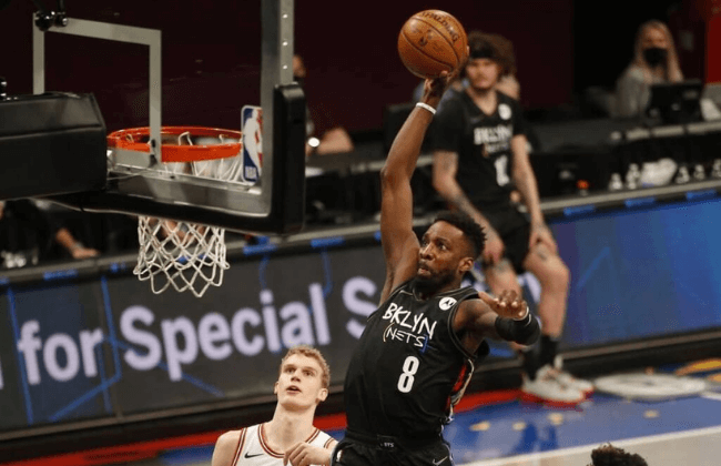 May 15, 2021; Brooklyn, New York, USA; Brooklyn Nets forward Jeff Green (8) goes in for a dunk against the Chicago Bulls during the second half at Barclays Center. Mandatory Credit: Andy Marlin-USA TODAY Sports