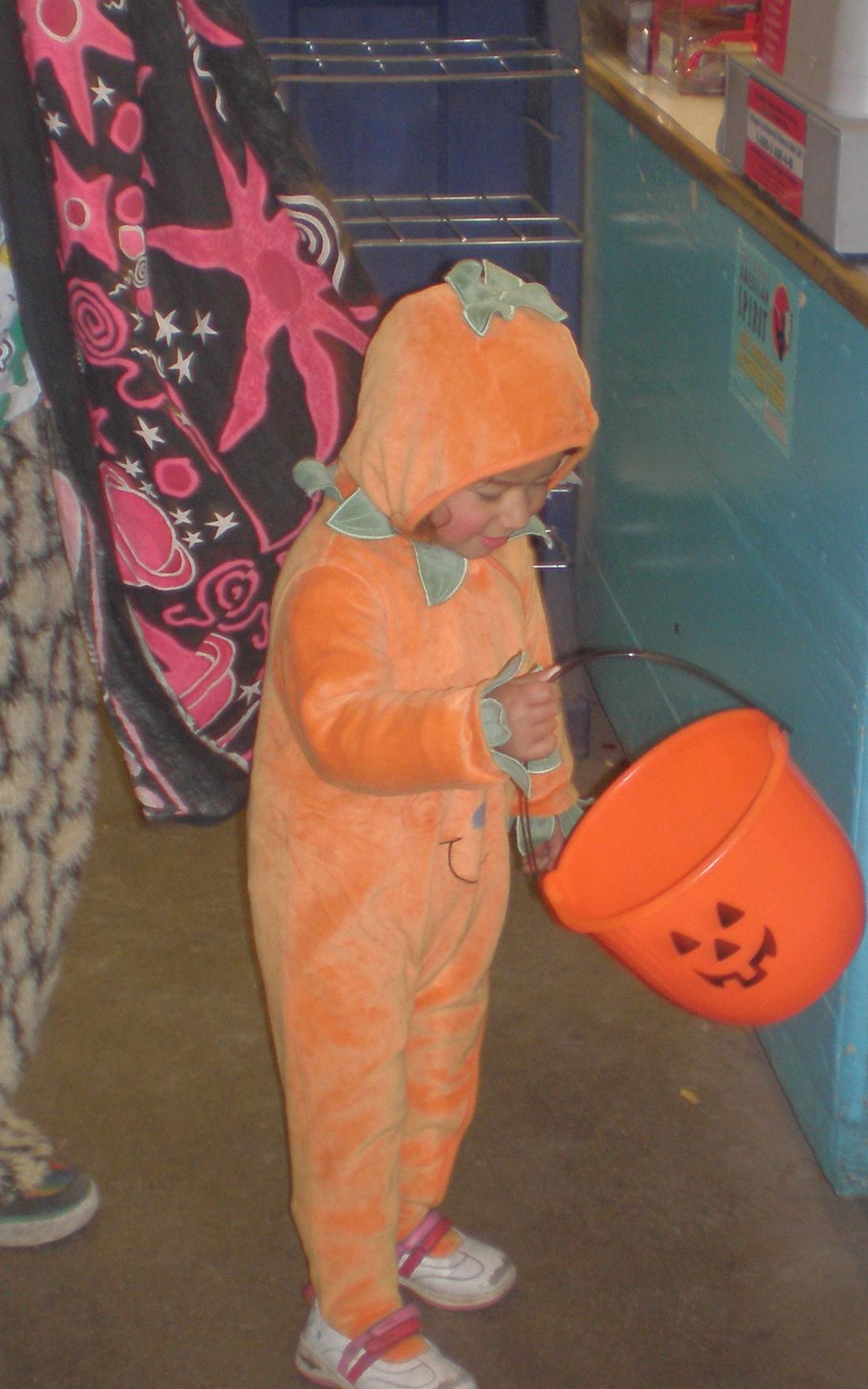 hallowe'en bucket of treats