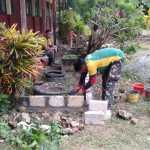 Percantik Sekolah, Satgas Yonif MR 413 Buat Taman di SMAN 6 Skouw