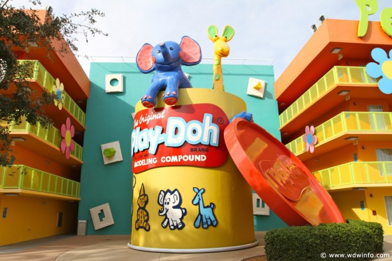 This image has an empty alt attribute; its file name is Pop-Century-Resort-061.jpg