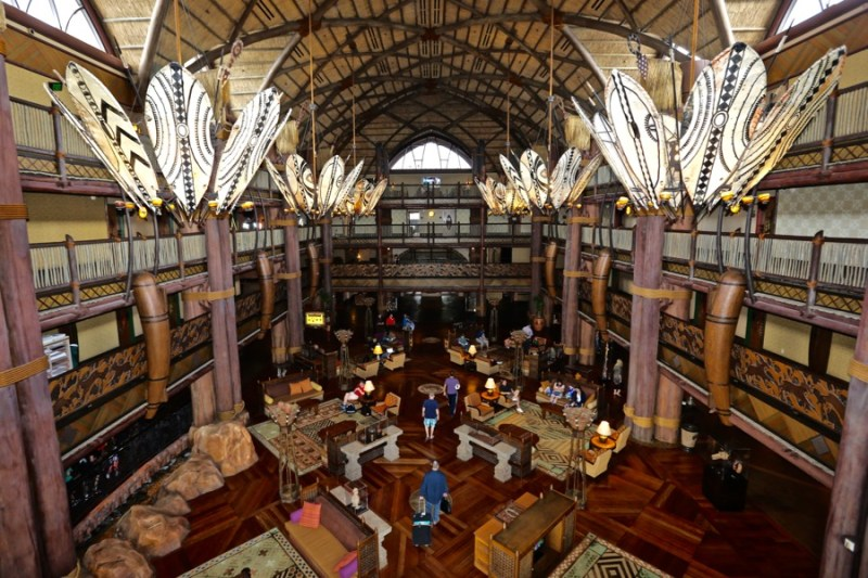 This image has an empty alt attribute; its file name is animal-kingdom-lodge-lobby-14.jpg