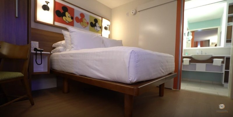 This image has an empty alt attribute; its file name is pop-century-refurb-room-03.jpg