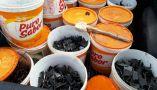 Grampos foram encontrados na carroceria do veículo Saveiro usado pelo bando
