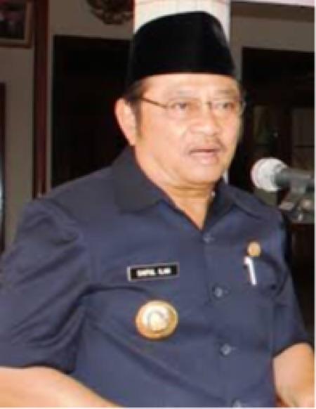 Bupati Sidoarjo, H. Saiful Ilah, SH, M. Hum yang akrab disapa Abah Ipul yang memutuskan Jabatan Empat Direksi PDAM Delta Tirta yang sudah diseleksi oleh Panitia Seleksi. (editor : kaji dar)