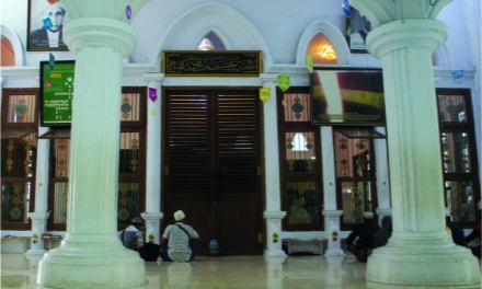 MAKAM MBAH PRIUK JAKUT (AL-HABIB HASAN BIN MUHAMMAD AL-HADDAD), SERIBU KARAMAH DI ATAS PUSARA YANG TERZALIMI