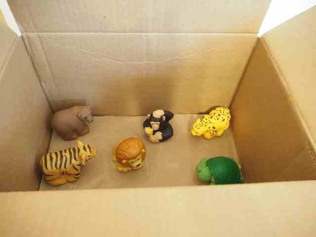 《 拜託!請打開這本書 》— 箱子篇 (繪本情境遊戲) 玩法:放小動物們到紙箱裡,