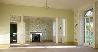 Valentines-Mansion-Drawing-Room1-gay-wedding-venue-in-Essex-Ilford-featured-on-the-gay-wedding-guide