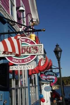 Geschäftsschildermeer Bar Harbor
