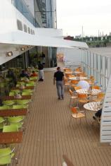 Weite Welt Restaurant Außenbereich Balkon AIDAprima Einrichtung Ausstattung Aussehen Bilder Meer