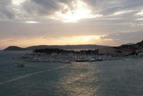 Sonnenuntergang Split Hafen Kroatien AIDAbella Meer
