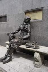 Eleanor-Rigby-Skulptur in Liverpool