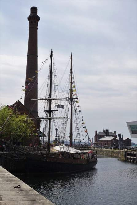 Albert Dock Liverpool Segelschiff