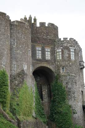 Dover Castle Eingang Sehenswürdigkeit Außenansicht Außenbereich