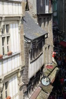 Grande Rue - Blick von der Stadtmauer Mont-Saint-Michel