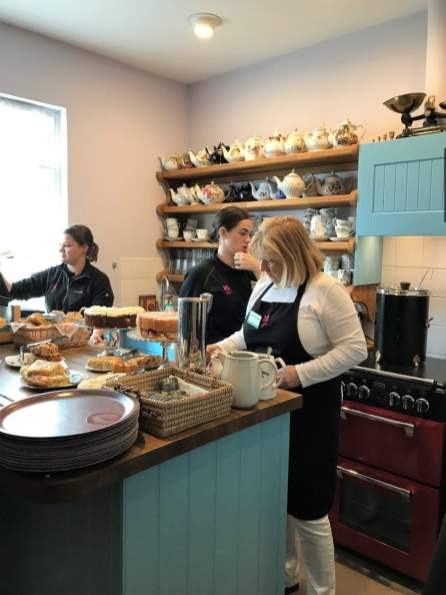 Mrs. Knotts Tee Raum tea time dover essen trinken restaurant cafe