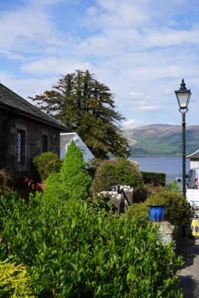 Cottages im Dorf Luss
