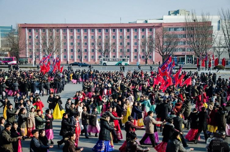 danse 1 - celebrations - Coree du Nord, l'envers de la medaille - Asie, Coree du Nord